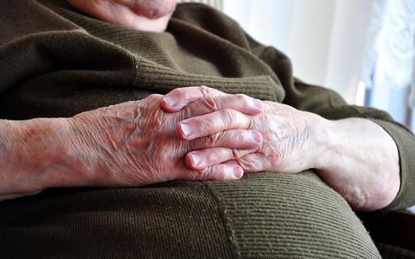 Otyłość sarkopeniczna – przyczyny i leczenie otyłości u seniorów