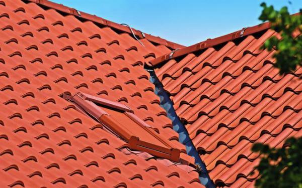 Prawidłowe układanie dachówek
