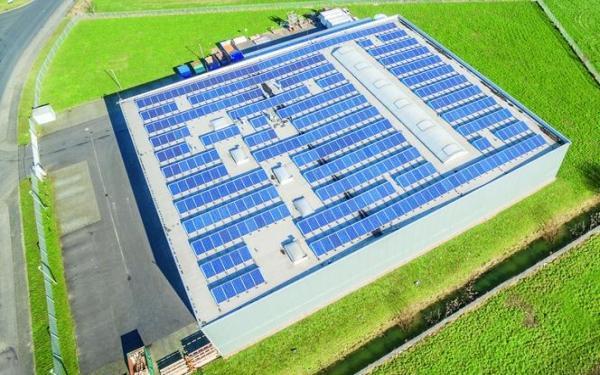 Projekt i sposoby montażu instalacji PV na dachach hal przemyłowych